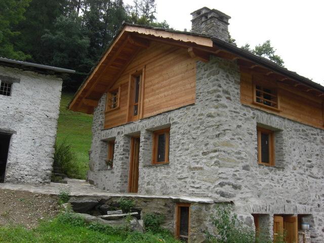 Favoloso case di montagna in pietra sa05 pineglen for Case in legno e pietra
